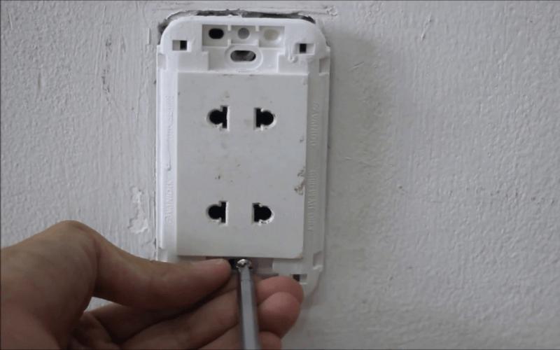 ổ cắm điện thông thường