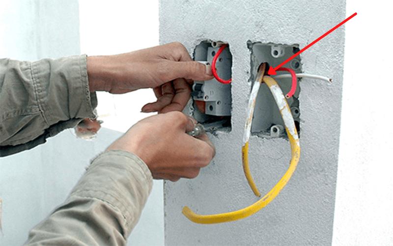 xác định dây điện